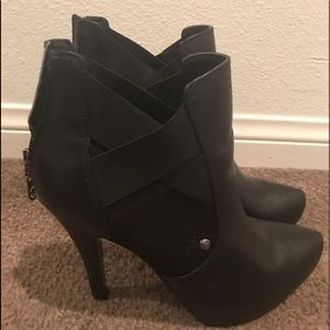 Guess Bootie Shoe Size 9